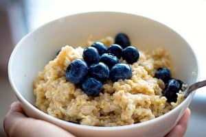 Are rolled oats better than instant oats during pregnancy?