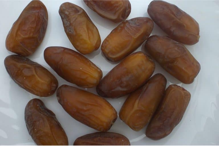 How can dates benefit pregnant women