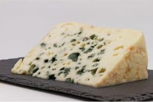 Why should pregnant women avoid eating Roquefort?